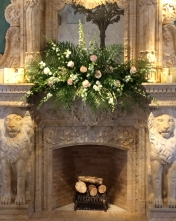 Dramatic focal arrangements for the ceremony